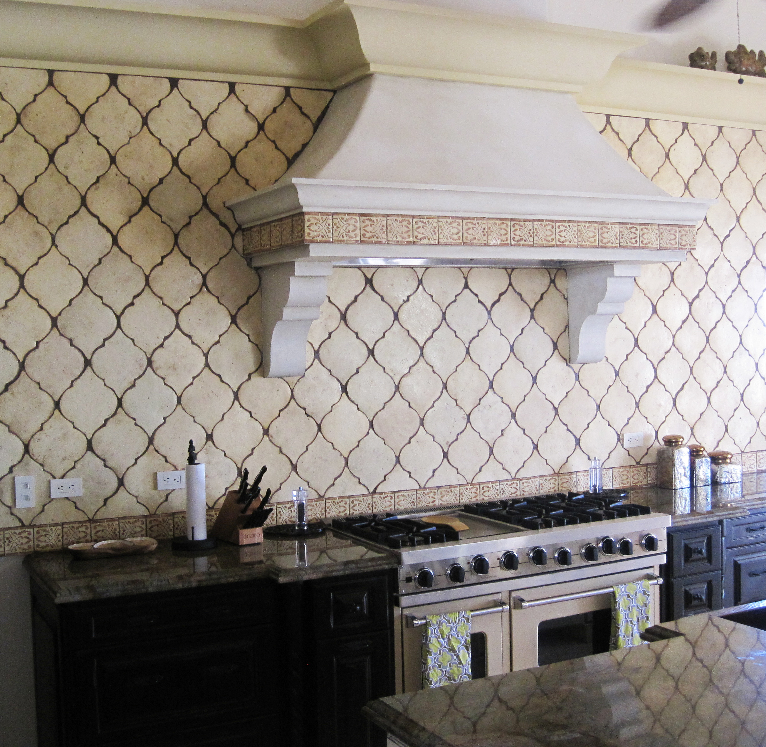 Design obsession kitchen studio of naples inc for Arabesque tile backsplash