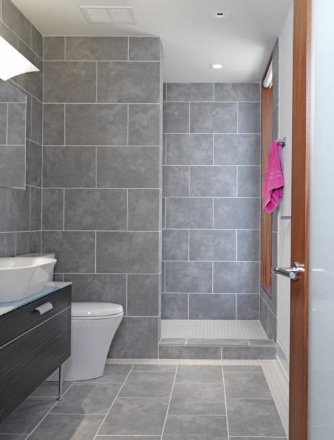 Grey Tile Bathroom | KitchAnn Style