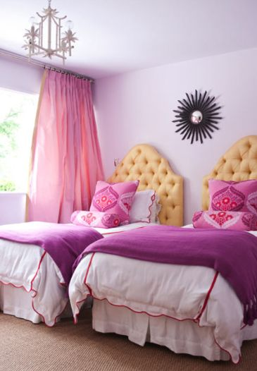 Radiant Orchid Accent | KitchAnn Style
