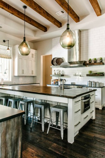 Rustic wood kitchen inspiration| KitchAnn Style