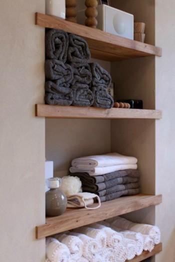 Rustic plank shelving idea |KitchAnn Style