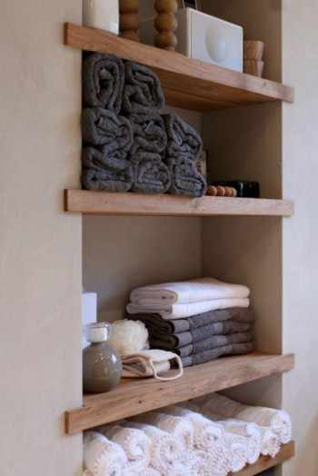 Rustic plank shelving idea |KitchAnn Style