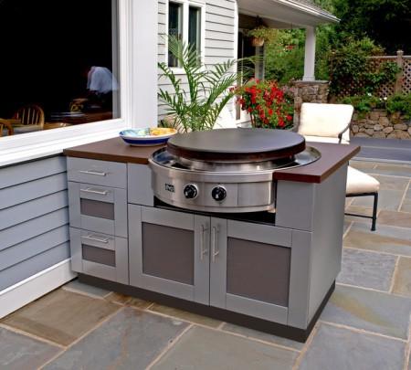 Outdoor kitchen design kitchen studio of naples inc for Outdoor kitchen grill insert