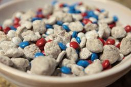 4th of July Recipe | Patriotic Nutella Puppy Chow